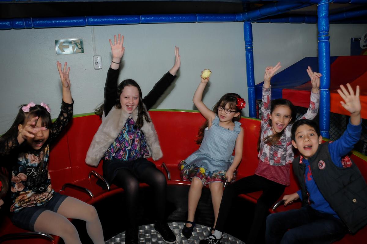 brincadeira das crianças no labamba no Buffet Ciranda da Vila, Osasco, SP