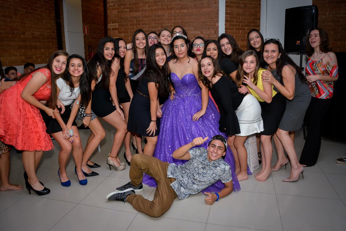 todos querem fazer uma foto na festa de 15 anos no