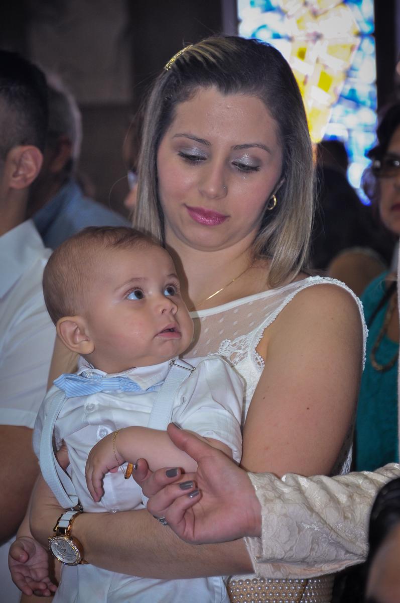 família na igreja para batizar o matheus no Paróquia São Bento Morumbi