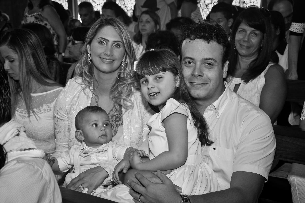 toda família reunida para o batizado do Matheus no Paróquia São Bento Morumbi