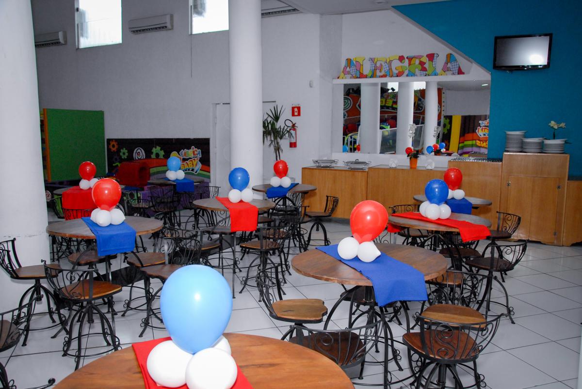 salão decorado festa tema homem aranha no Buffet Fábrica da Alegria, Morumbi, São Paulo