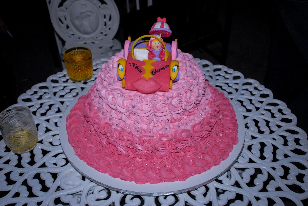 bolo de aniversário festa em condomínio Morumb