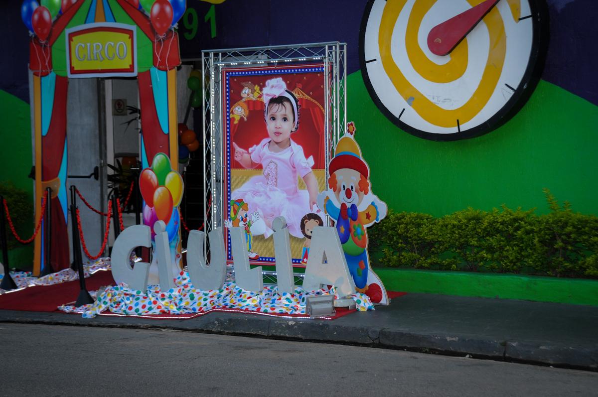 banner iluminado da Giulia no buffet fábrica da alegria, osasco, sp