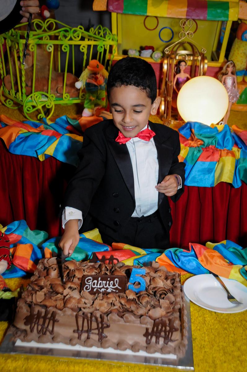 final da festa de aniversário no buffet fábrica da alegria, osasco, sp