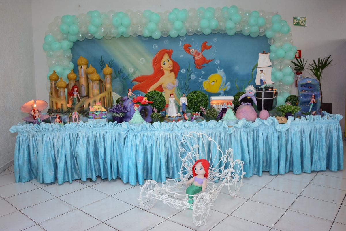 mesa decorada ariel no Buffet Fábrica da Alegria, Morumbi, SP