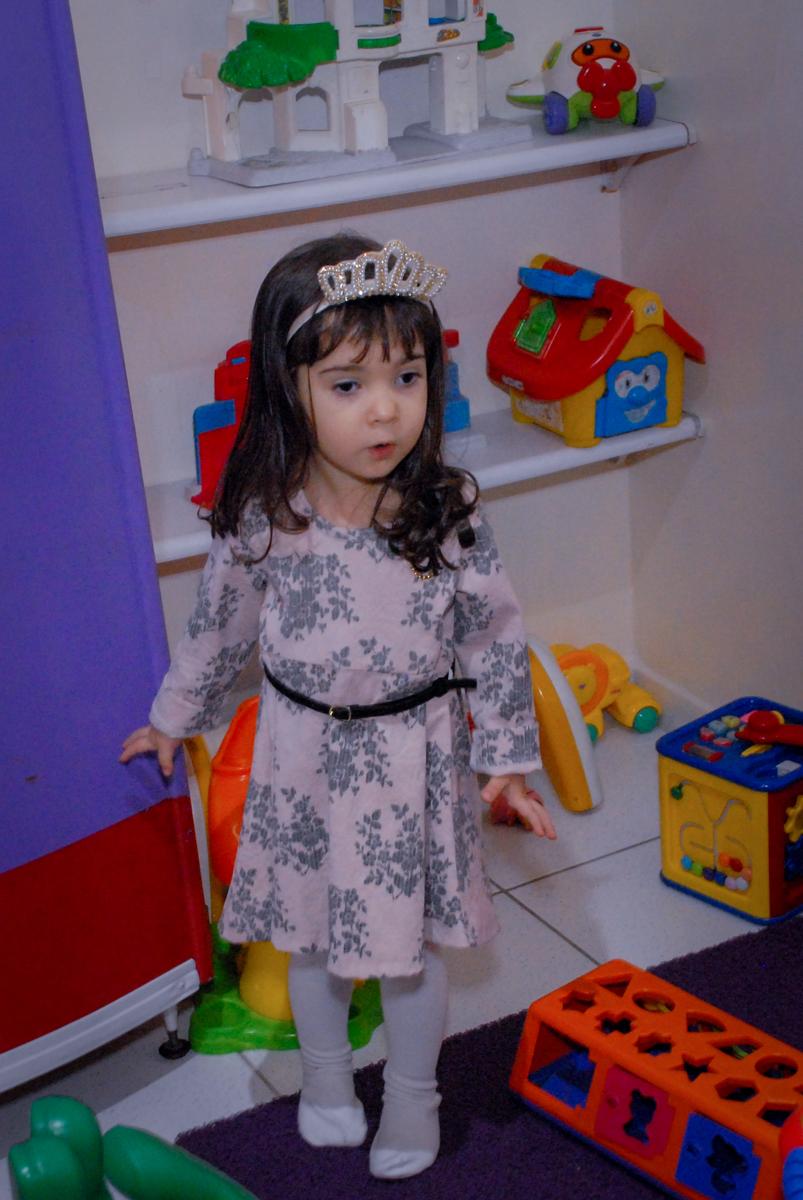 priminha do aniversariante brinca na área baby no Buffet Bugui Ugui, Vila Mascote, São Paulo