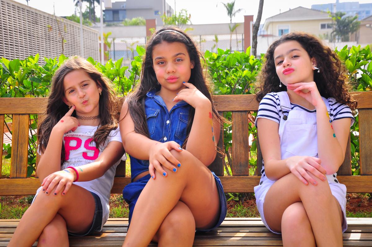 camile é uma verdadeira mocinha posando para a foto no Condomínio São Paulo, SP, tema da festa Frozen