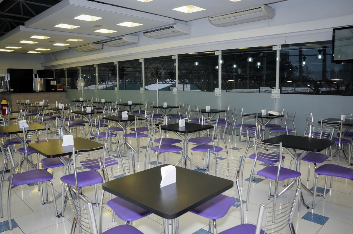 mesa dosalão no Buffet Max Mania, Panambi, Sp, tema da festa Monster High