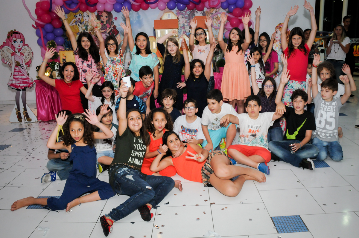 final da festa no Buffet Max Mania, Panambi, Sp, tema da festa Monster High