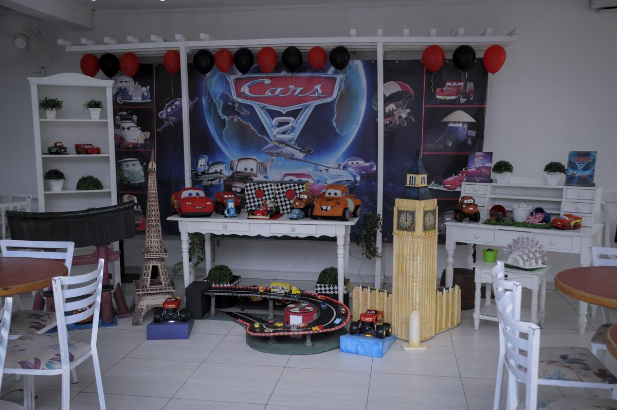 mesa decorada  buffet feliz da vida, festa infantil Théo 3 aninhos, tema da festa carros