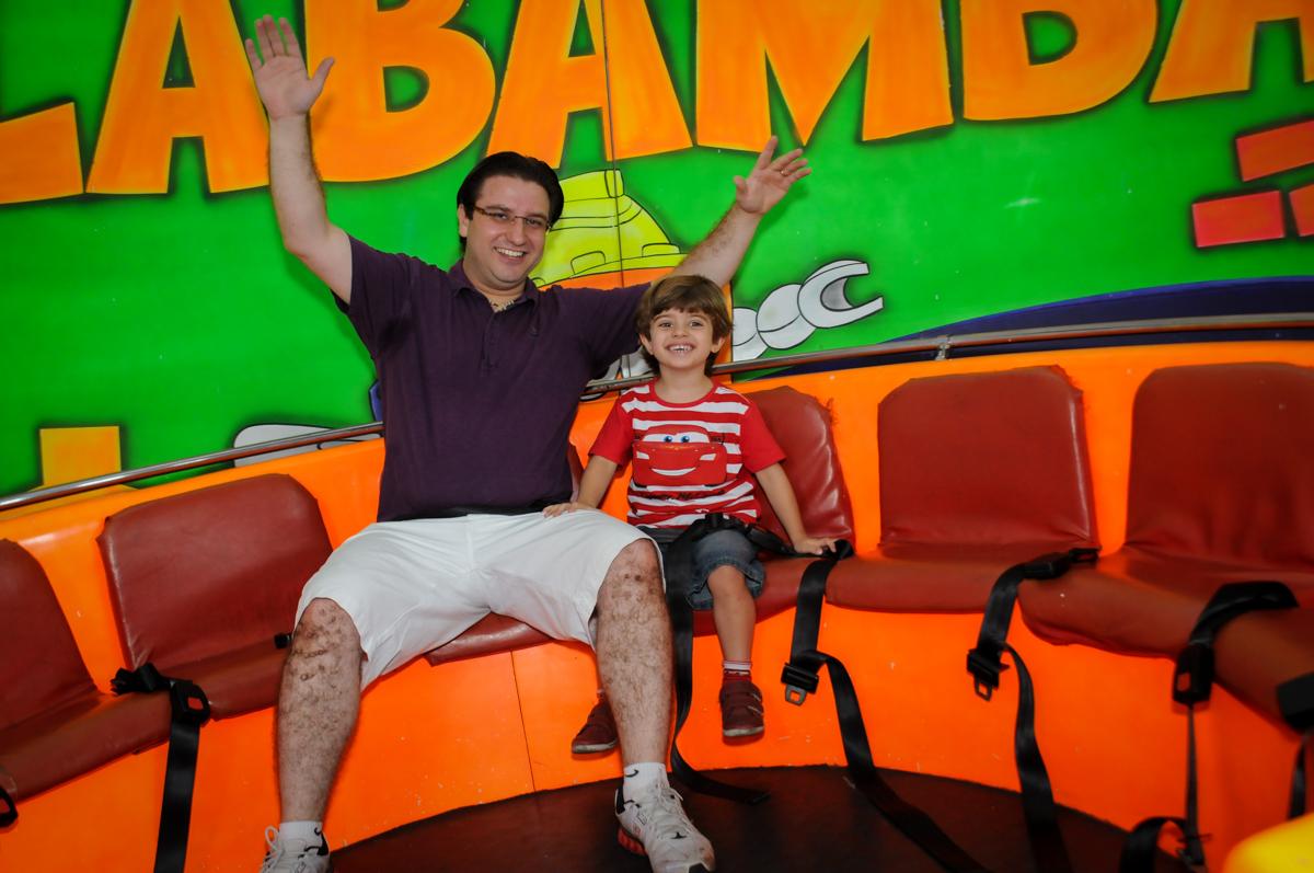 bagunça no labamba no Buffet Fábrica da Alegria, Morumbi, SP. festa infantil, Samuel 4 anos, tema Carros