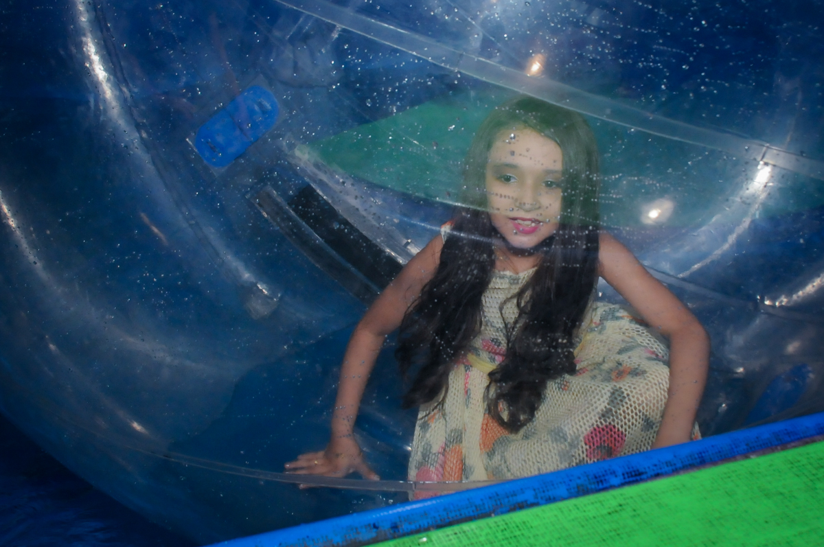 hora de brincar no aquabool no Buffet Fábrica da Alegria, Osasco,Sp, Festa infantil, Vitória 8 anos, tema da festa Cinderela
