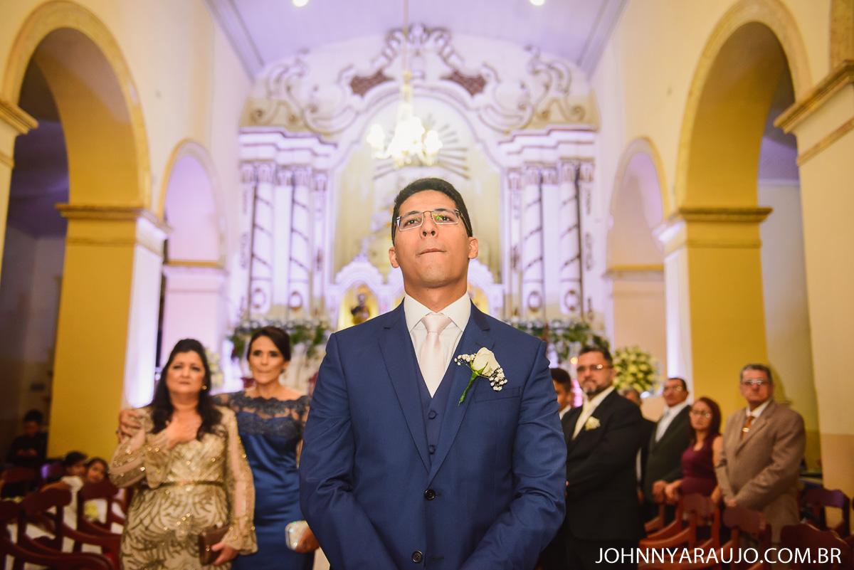 momento do noivo a espera de sua amada
