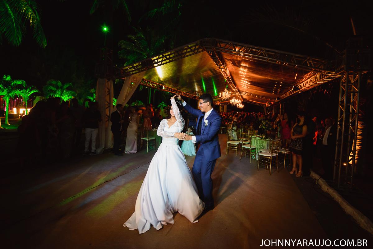 a festa dos noivos Suanny e Victor