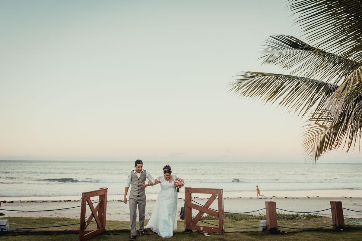 chegada da noiva na recepção do casamento