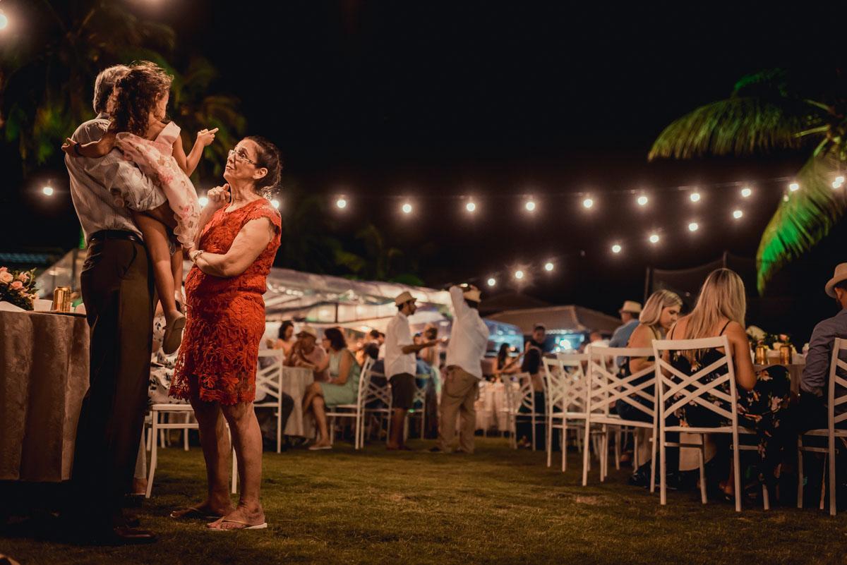 detalhes de uma festa simples de casamento