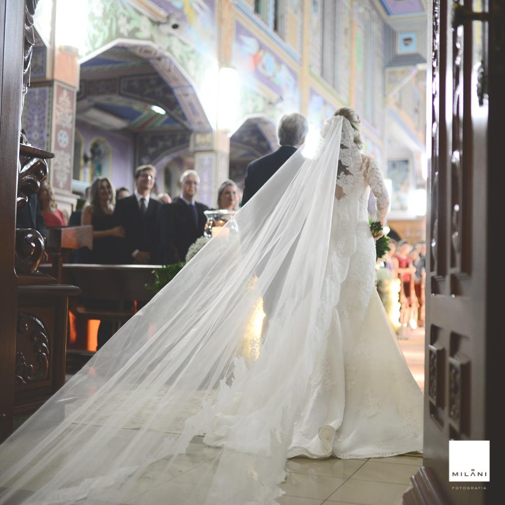 A entrada da noiva na igreja
