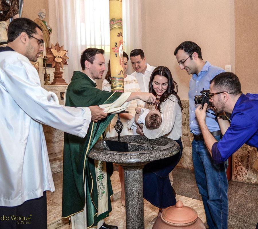 o fotógrafo e o batizado