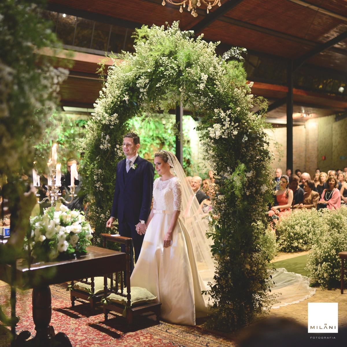O casal durante a cerimônia religiosa