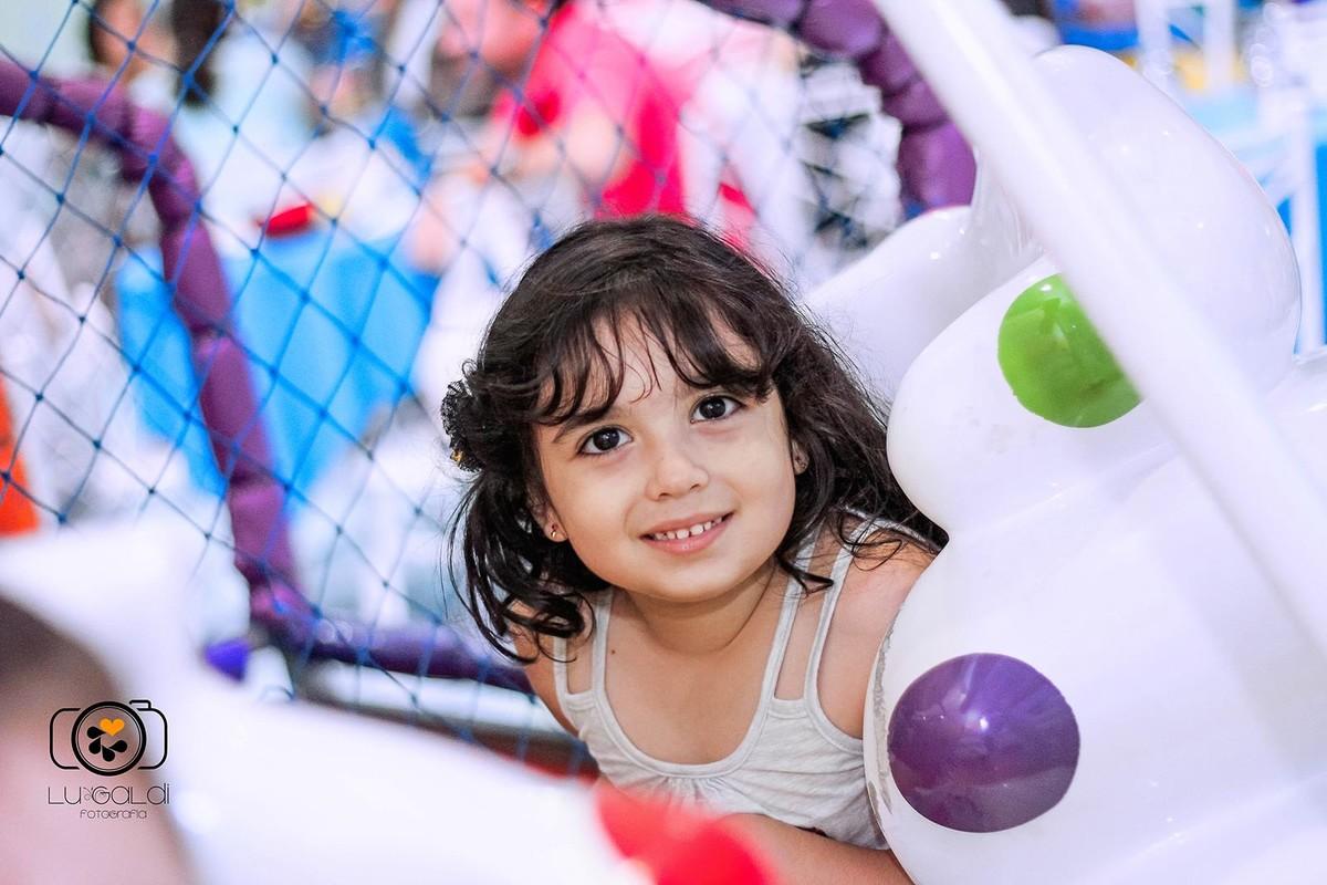 Fotos tiradas por Lu Galdi Fotografia , na cidade de Piracicaba/SP , em Buffet Vila da Criança , registrando  5 aninhos da Lívia !