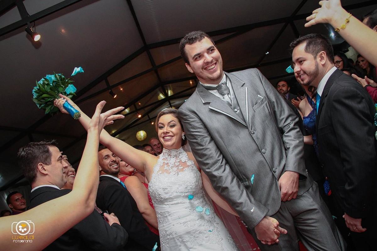 Fotos tiradas por Lu Galdi Fotografia , registrando a  Cerimonia Religiosa  de Casamento de Suellen e Milton  no  Espaço Toque de Amor , na cidade de Piracicaba/SP ,
