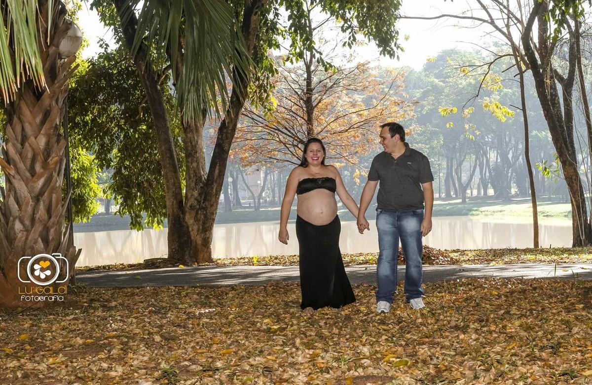 Gestante , fotos tiradas por Lu Galdi Fotografia , na cidade de Piracicaba , no Parque da Rua do porto e Hotel Beira Rio , fotografando a gestação de Suzana , junto ao seu marido Alexandre , a espera de Enzo Alexandre !