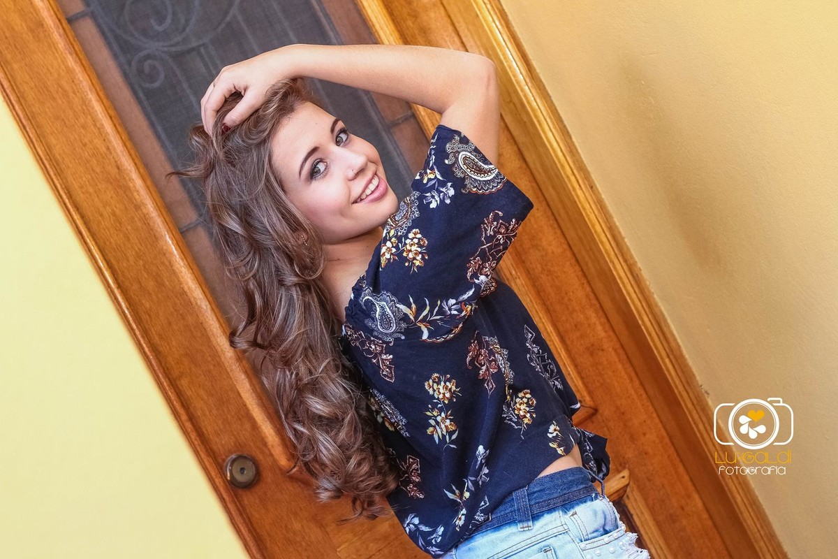 Ensaio Fotográfico , 15 anos ,  de Bianca Rodrigues , fotos tiradas por  Lu Galdi Fotografia na Cidade de Piracicaba , SP , no Buffet Maravilha Eventos  , registrando a beleza da debutante em seu dia de Princesa .Ensaio Fotográfico , 15 anos
