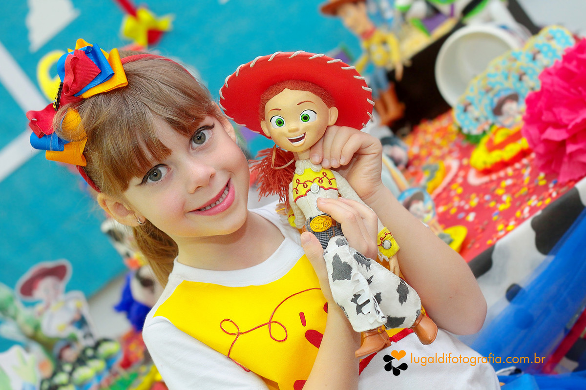 Foto tirada por Lu Galdi Fotografia , em Aniversario Infantil , na cidade de Piracicaba/SP , comemorando 6 aninhos de Livia , no tema Toy Story .