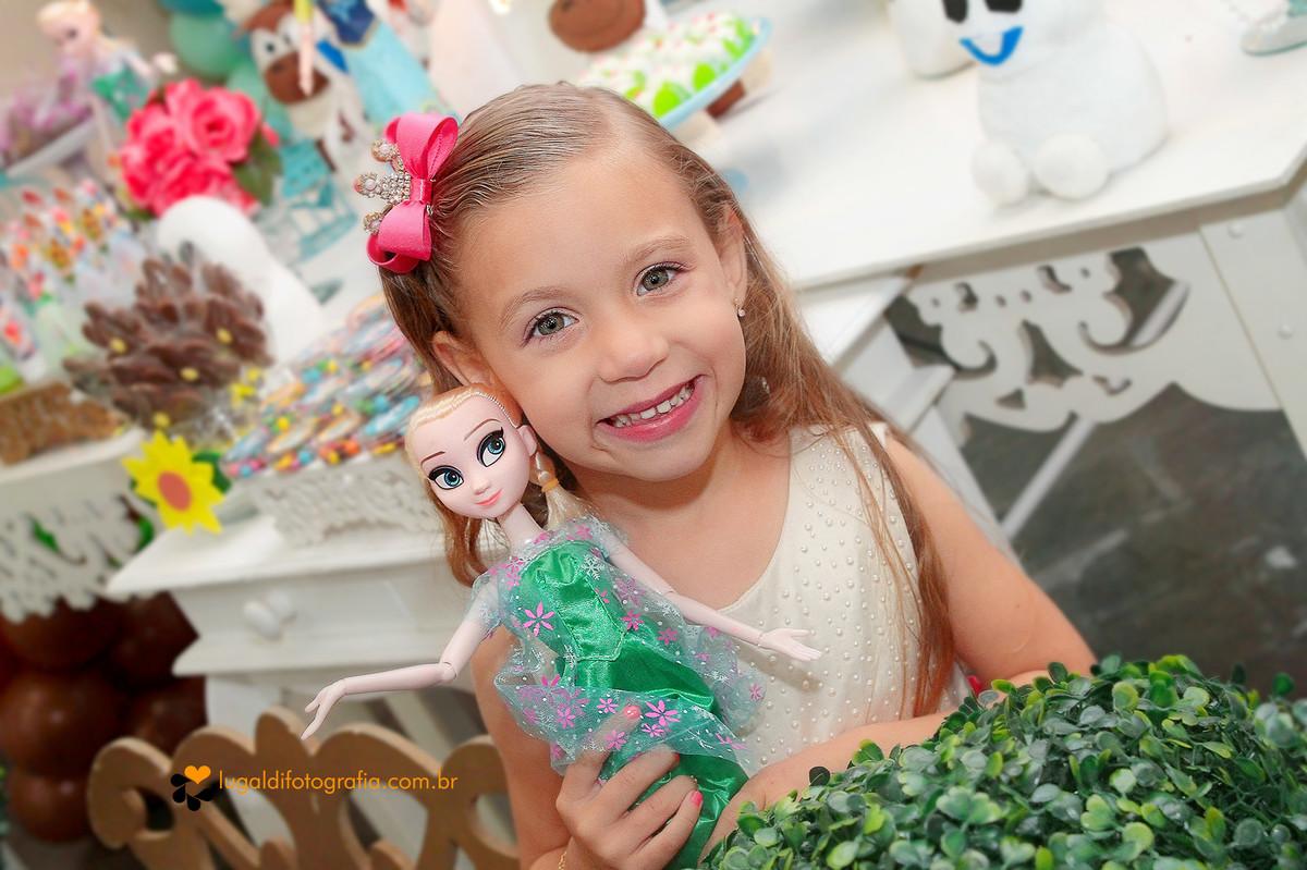 Fotos tiradas por Lu Galdi Fotografia , em Aniversário infantil , comemorando 4 aninhos da Larissa em Buffet Vabene Kids , na cidade de Piracicaba/SP