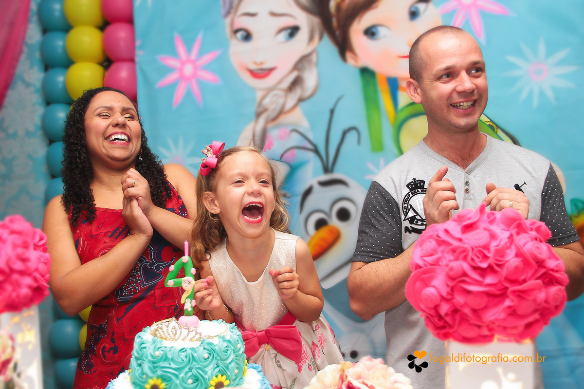 Fotos tiradas por Lu Galdi Fotografia , em Aniversário infantil , comemorando 4 aninhos da Larissa em Buffet Vabene Kids , na cidade de Piracicaba/SP .