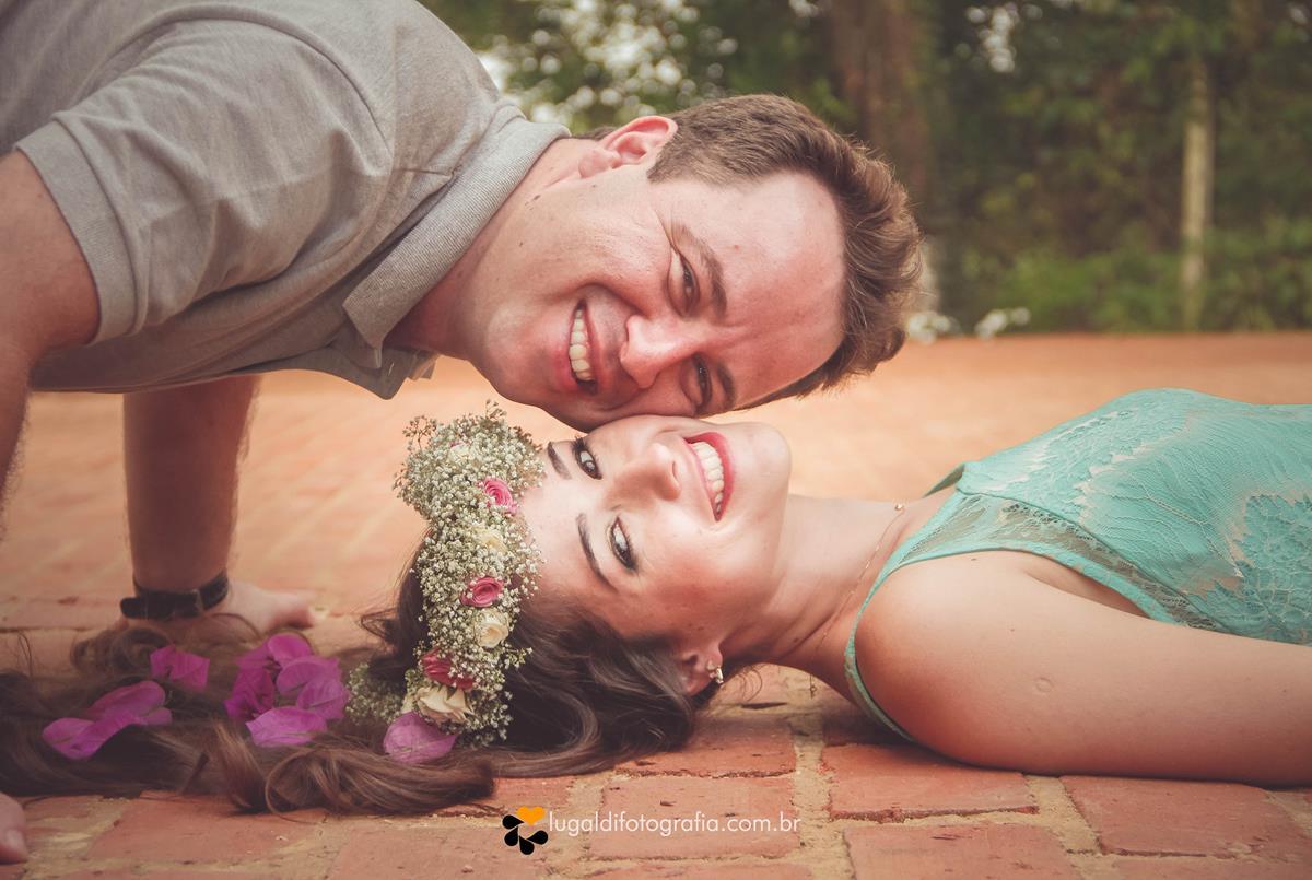 Um dia especial Pré Wedding de Aline e Maicon , casal apaixonado , super divertido , fotos tiradas por Lu Galdi Fotografia , na cidade de Piracicaba, São Paulo , foi lindo !!!