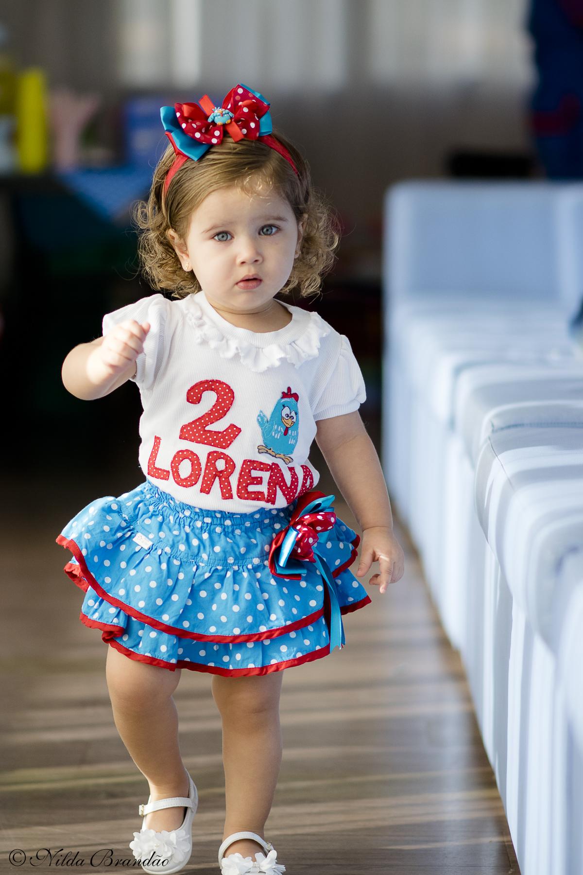 Lorena desfilando na sua festinha