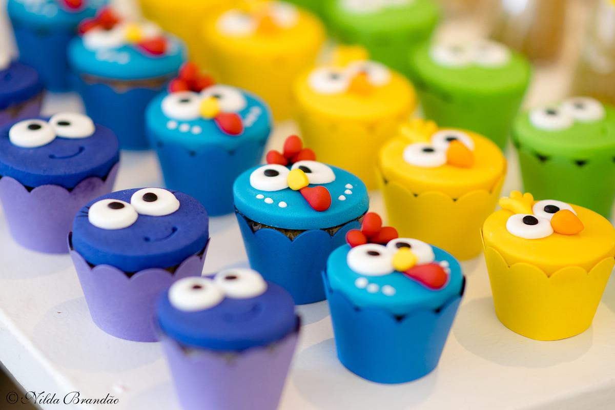 Lindos cupcakes na festinha da lorena.