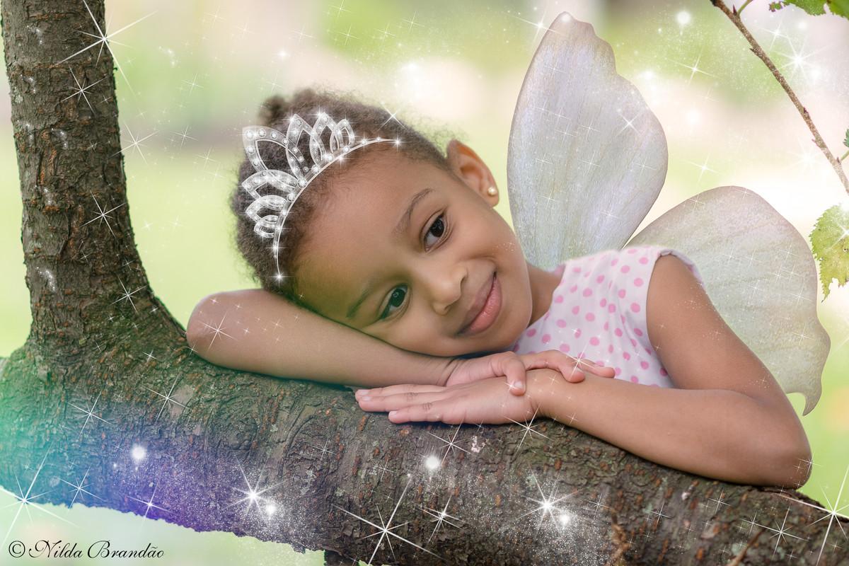 Meninas também podem ser fadas, ser princesas, ser criança e ser o que elas quiserem. Fadinha