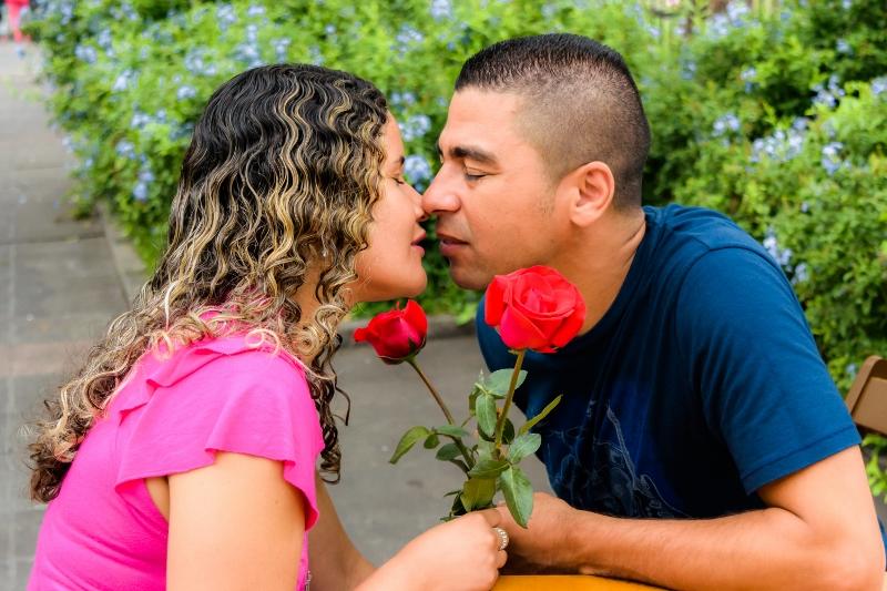 Beijo apaixonado no centro de são paulo
