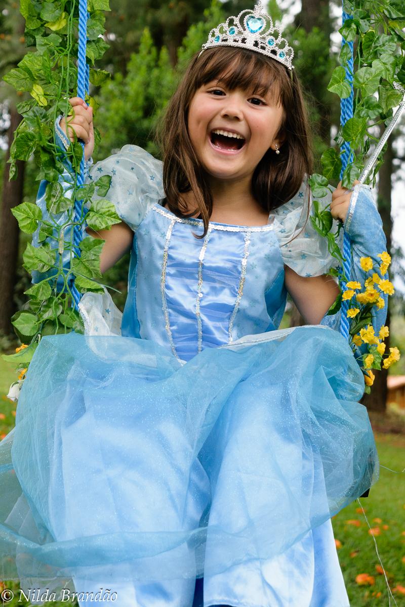 Cinderela é a princesa disney favorita da Samara