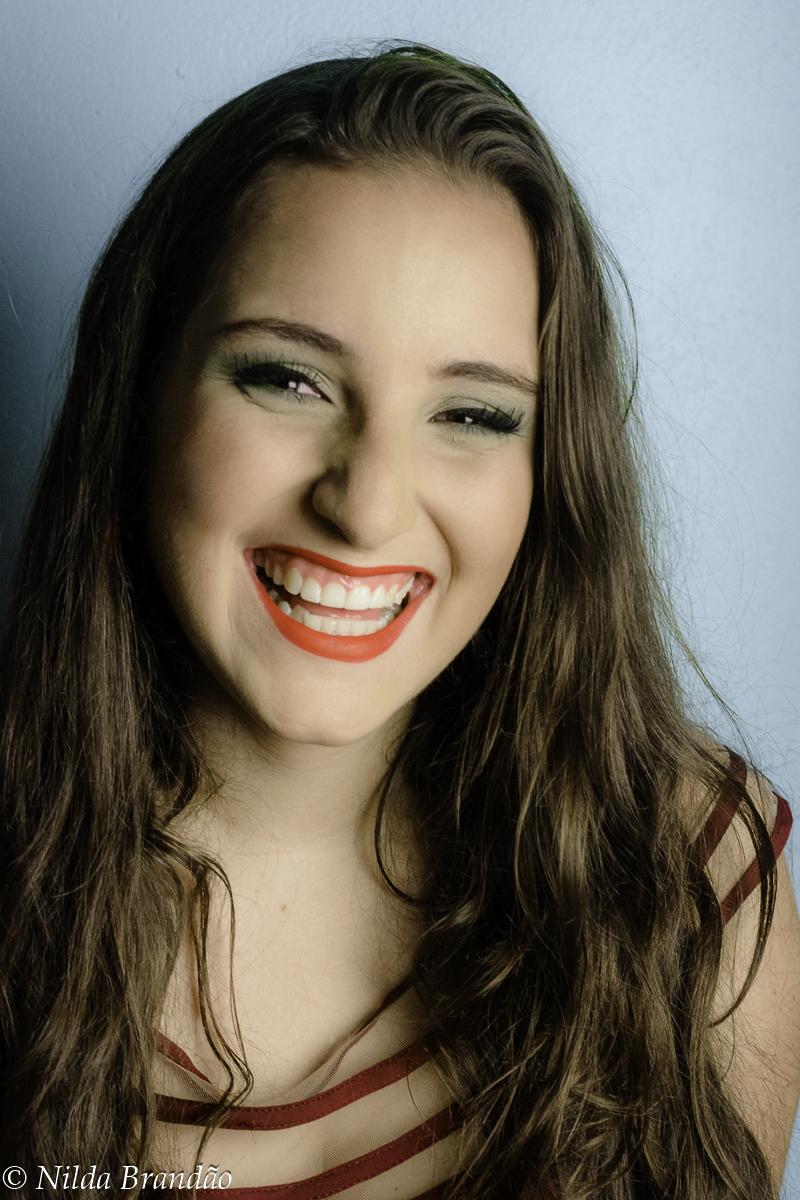 Sorriso mais lindo! batom vermelho é tudo.