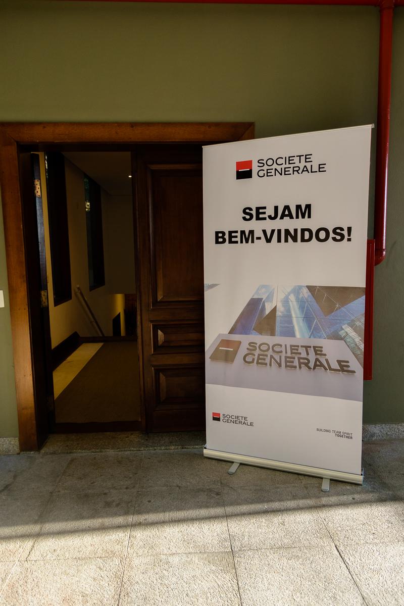 Cartaz dando boas vondas aos colaboradores para evento corporativo em São Paulo