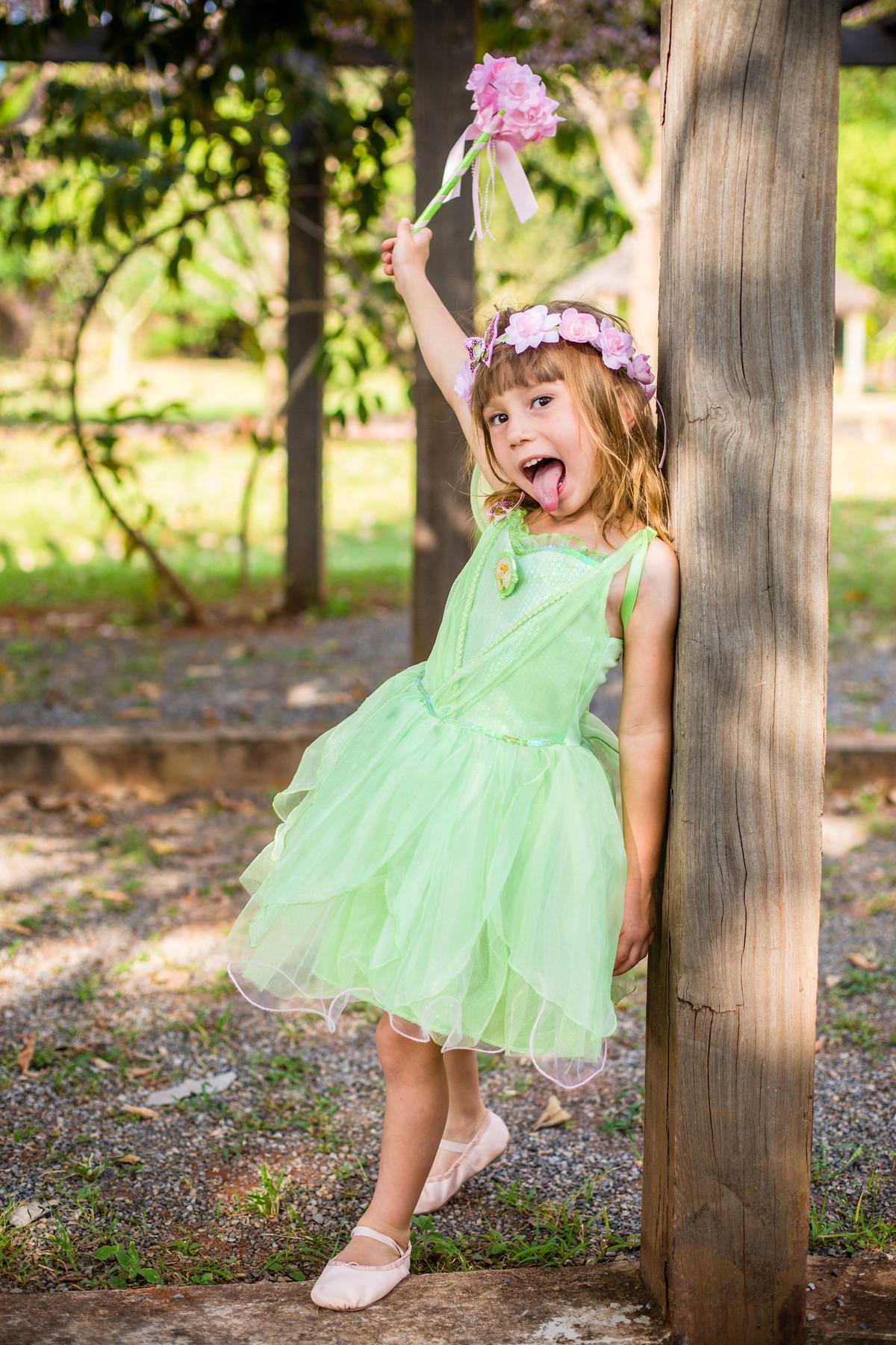 Ensaio temático infantil de Tinker Bell feito pelo fotógrafo de crianças Rafael Ohana em Brasilia-DF