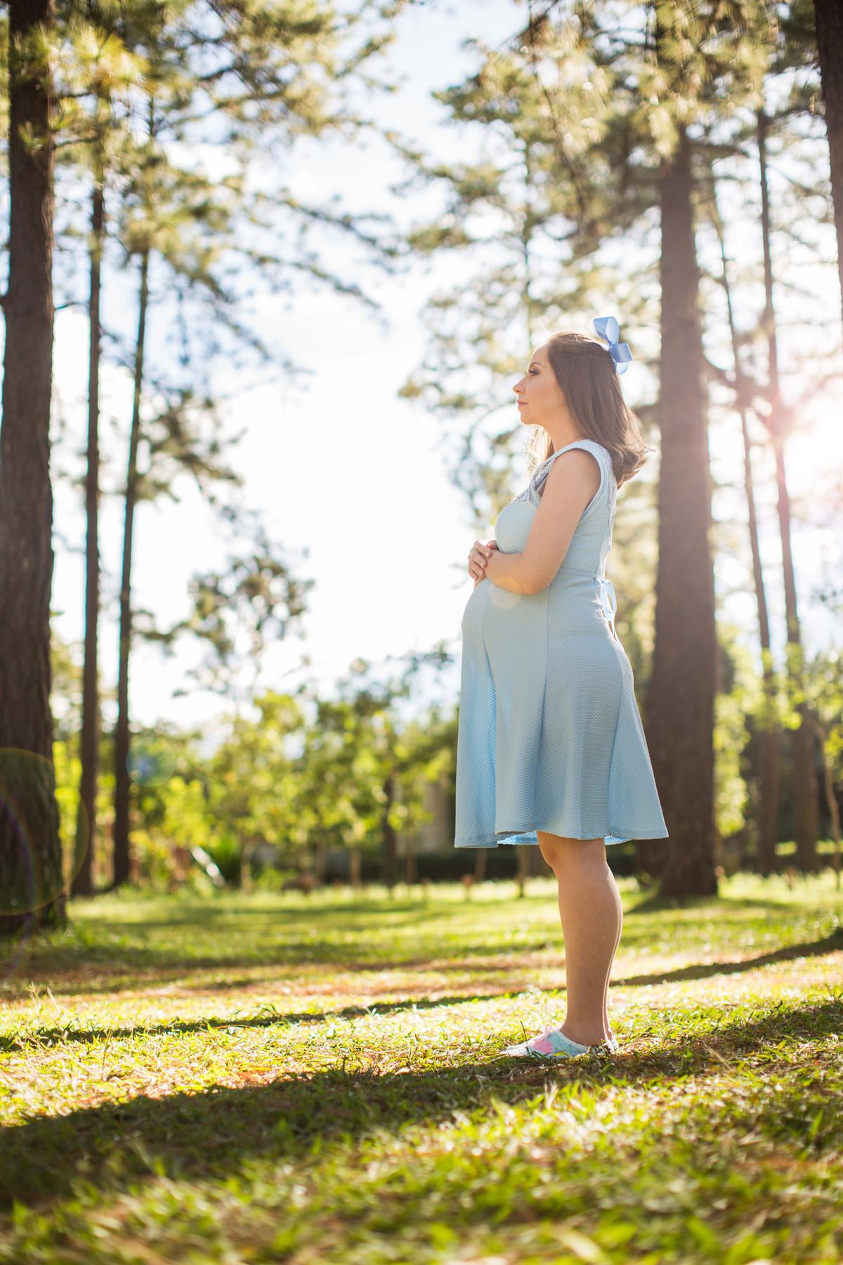 Ensaio de grávida na temática mundo Terra do Nunca feito pelo fotógrafo Rafael Ohana em Brasiilia-DF