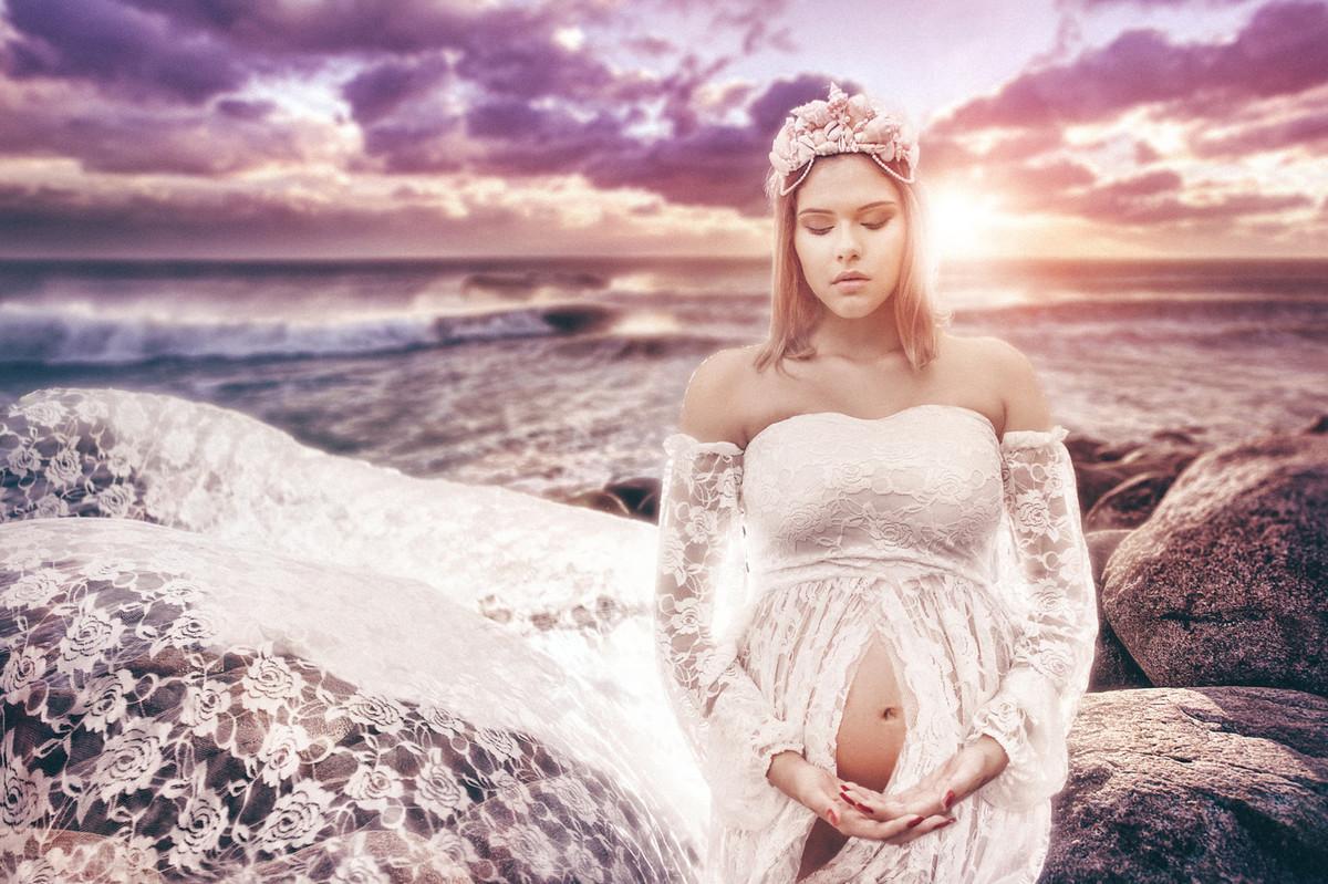 Ensaio de grávida feito pelo fotógrafo de gestantes Rafael Ohana em Brasilia-DF. Rainha do Mar.