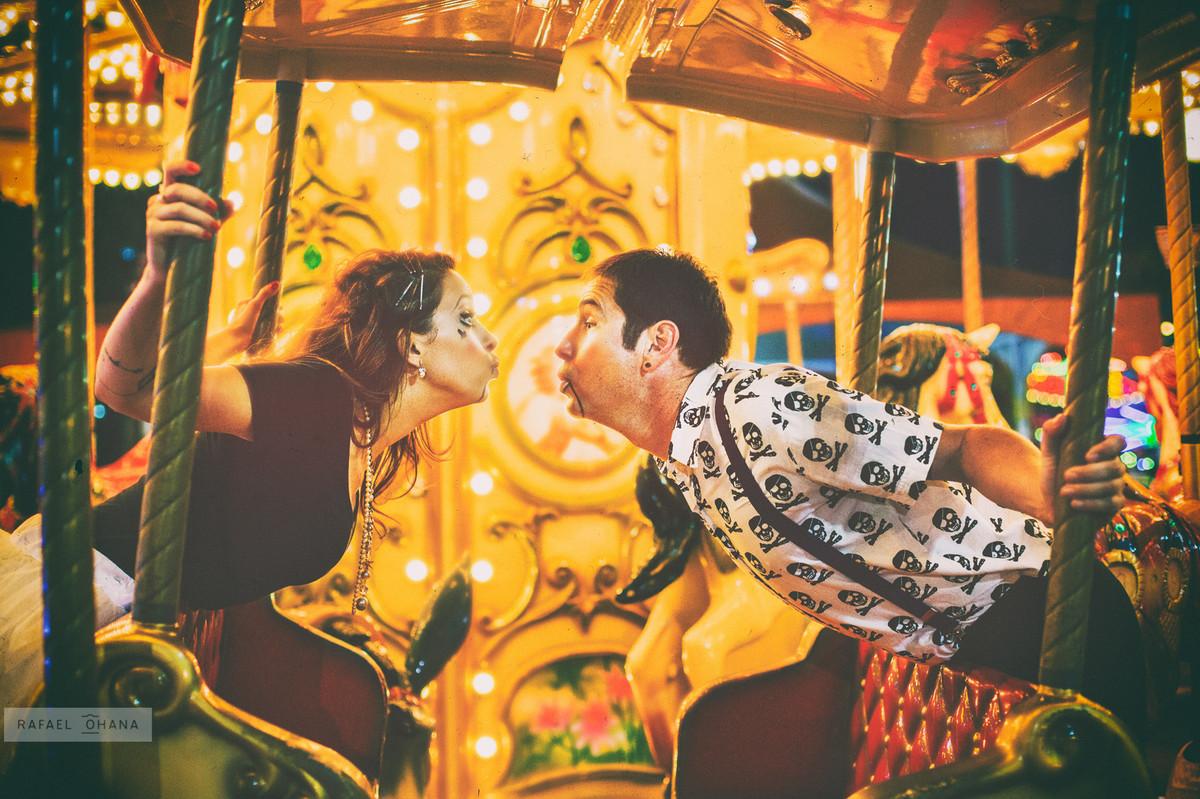 ensaio-temático-de-casal-Rafael-Ohana-fotógrafo-de-casamento-parque-de-diversões