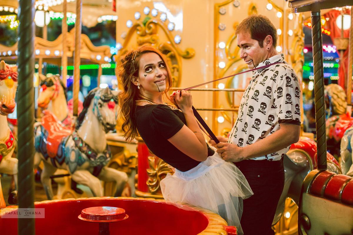 ensaio-temático-de-casal-Rafael-Ohana-fotógrafo-de-casamento-em-Brasília-parque-de-diversões