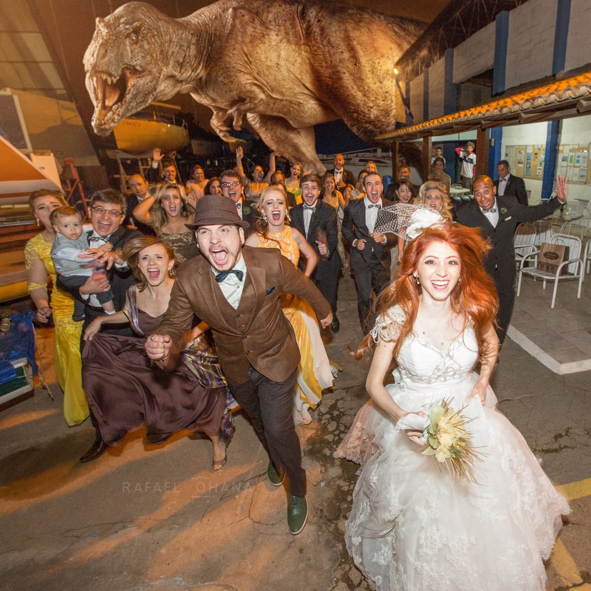 wedding-vintage-jurassic-park-casamento-rafael-ohana-fotografo-de-brasilia-df-dinossauro-trex-medo-panico-no-casamento