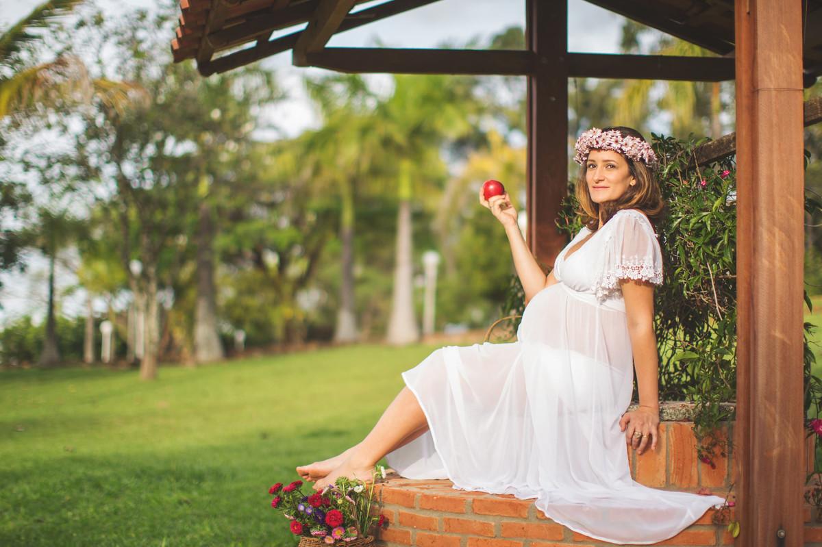 pregnancy maternity photoshoot garden ensaio fotográfico gestante grávida