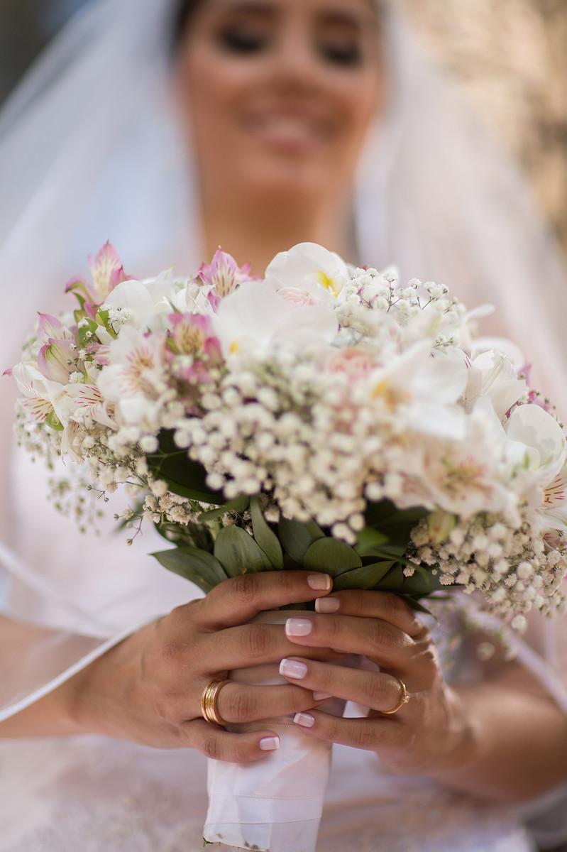 Rafael-Ohana-fotógrafo-de-casamento-em-Brasília-DF-ensaio-de-noiva-glamour-no-jardim-botânico-de-Brasília-noiva-bride-wedding-casamento-em-Brasília-Casamento em Brasília-beleza-arte-art-mulher-buquê