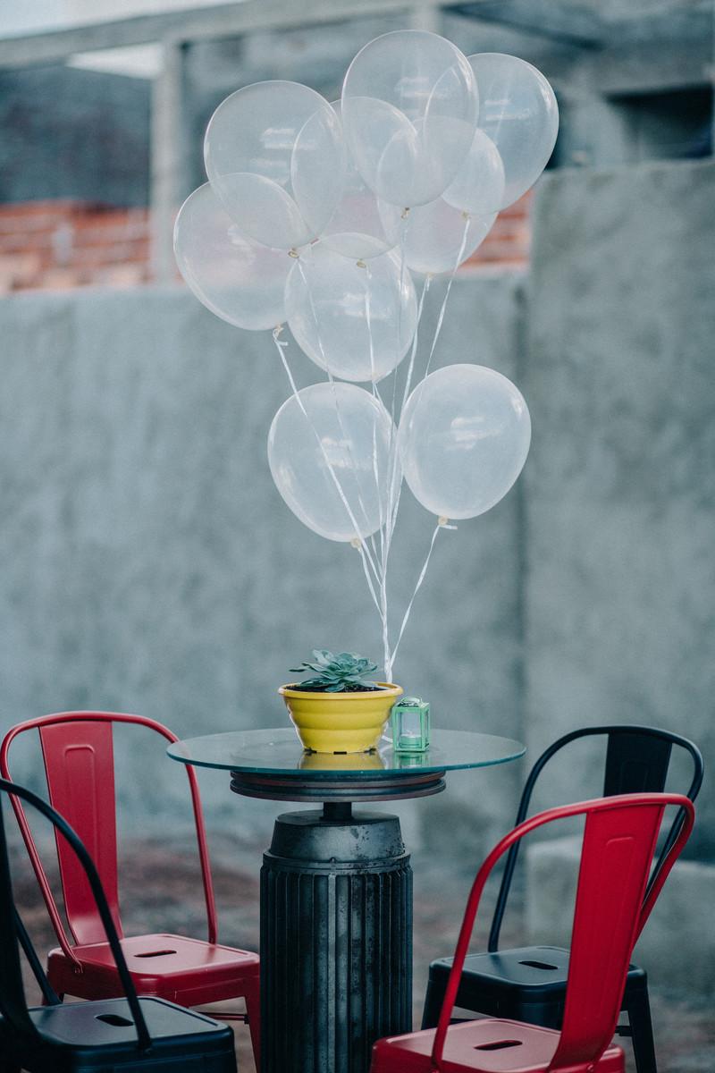 festa-de-aniversário--1-ano-do-Daniel-Rafael-Ohana-fotógrafo-de-festas-infantis-em-Brasília-DF-crianças-aniversário-vintage-retro-balões