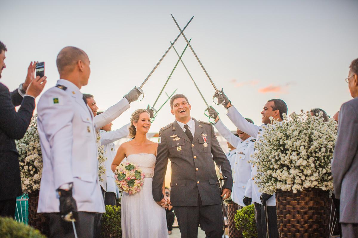 Teto de aço após casamento de ana e celo registrado pelo fotógrafo de casamento Rafael Ohana em Brasília-DF
