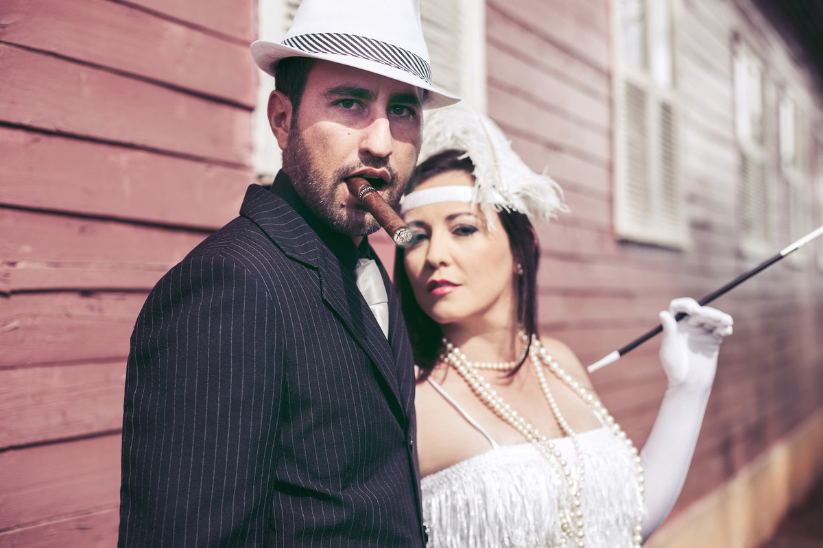 casamentos de BraEnsaio de casal no estilo máfia feito pelo fotógrafo desília-DF