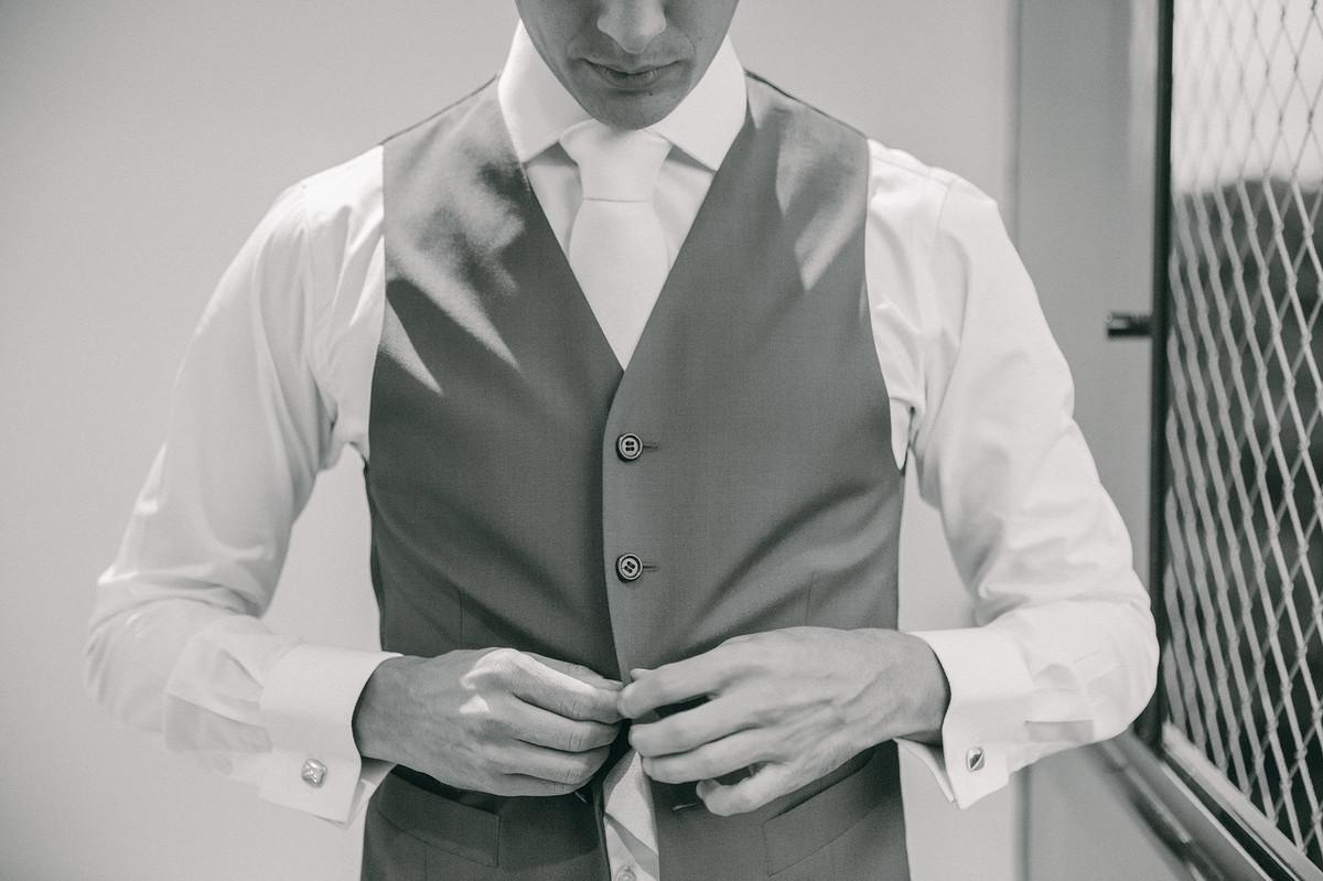 making of do noivo fotografado pelo fotógrafo de casamento Rafael Ohana em Brasilia-DF
